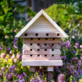 Interactive Solitary bee hotel